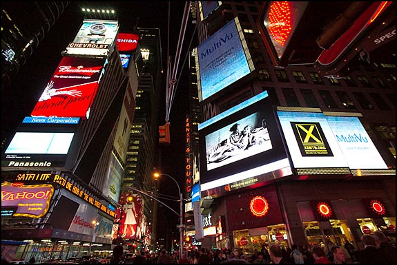 TED Prize - James Nachtwey/XDR-TB rollout: Reuters news screen in NYC Times Square, courtesy © Flickr user XDRTB.org, 2008