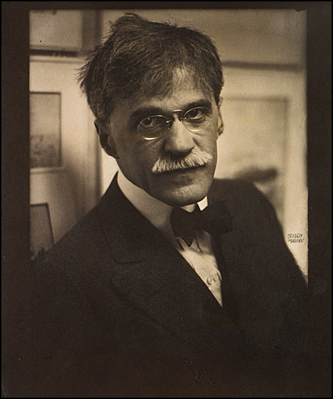 Edward Steichen (American, born Luxembourg, 1879–1973) Alfred Stieglitz at 291, 1915 Coated gum bichromate over platinum print, 28.8 x 24.2 cm (11 5/16 x 9 1/2 in.) The Metropolitan Museum of Art, Alfred Stieglitz Collection, 1933 (33.43.29) Image © The Metropolitan Museum of Art, New York