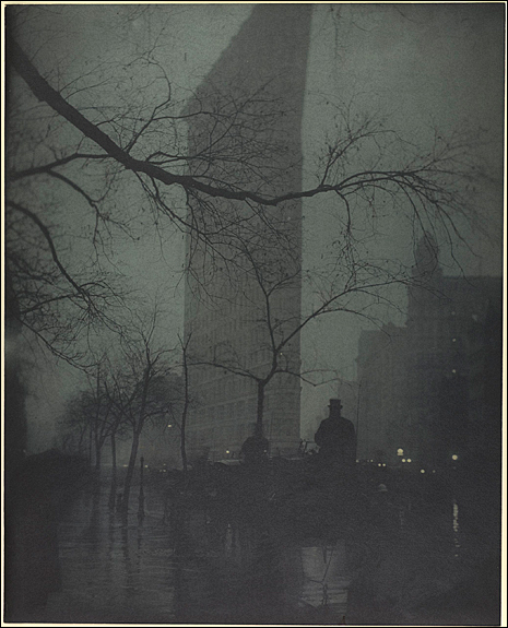 Edward Steichen (American, born Luxembourg, 1879–1973) The Flatiron, 1904, printed 1909 Gum bichromate over platinum print, 47.8 x 38.4 cm (18 13/16 x 15 1/8 in.) The Metropolitan Museum of Art, Alfred Stieglitz Collection, 1933 (33.43.39) Image © The Metropolitan Museum of Art, New York